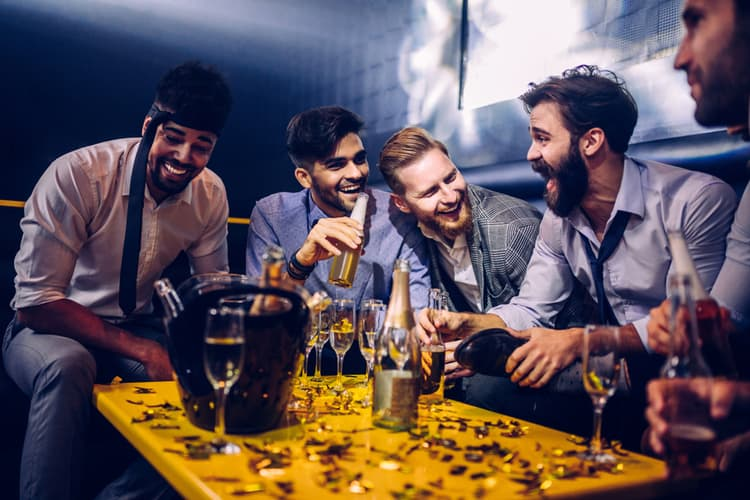 5 Guys drinking and Enjoying a Night out